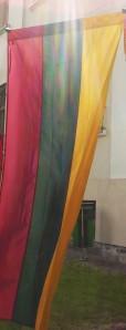 Trispalvė tiek dabar, tiek prieš atgaunant nepriklausomybę – svarbiausias Lietuvos simbolis