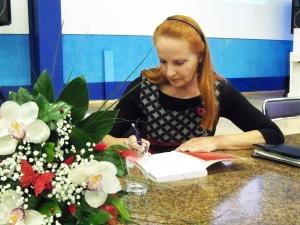 Už įdomų pasakojimą žurnalistei buvo atsidėkota nuoširdžiomis ovacijomis ir gėlėmis