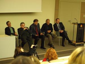 Diskusijoje dalyvavo: (iš kairės į dešinę) Antanas Kulakauskas, Saulius Šiliauskas, Darius Kuolys, Vytautas Rubavičius ir Naglis Puteikis. Jefim Vytovtov nuotr.