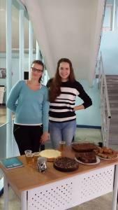 Ekonomikos studentės Sigutė Šarpnickaitė ir Evelina Jasaitė. SMF SA nuotrauka