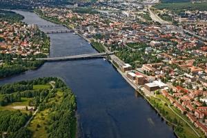 """Jono Öhman'o gimtasis miestas Umeå.  Švedijos fotografijos studijos """"Bergslagsbild AB"""" nuotr."""