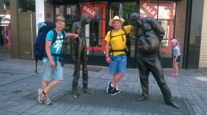 Vaikinai kelionės metu atsisakė nemažai daiktų, o kelionės gale kuprinės svėrė maždaug 10 kilogramų mažiau, negu pradėjus išvyką.  Laurynas (dešinėje) ir Rimantas (kairėje). Nuotr. iš vaikinų archyvo
